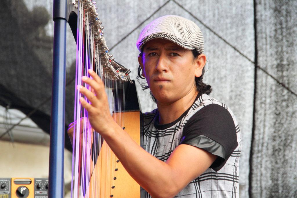 Harfenjazz aus Kolumbien mit Edmar Castaneda